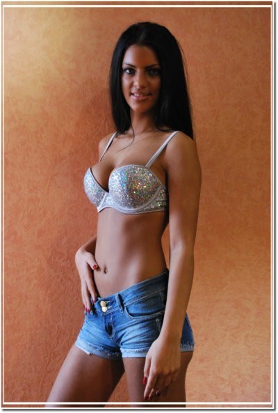 21220 escorts Best 2 Female Escorts in with Reviews -